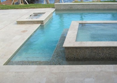 Travertine pool coping and pavers