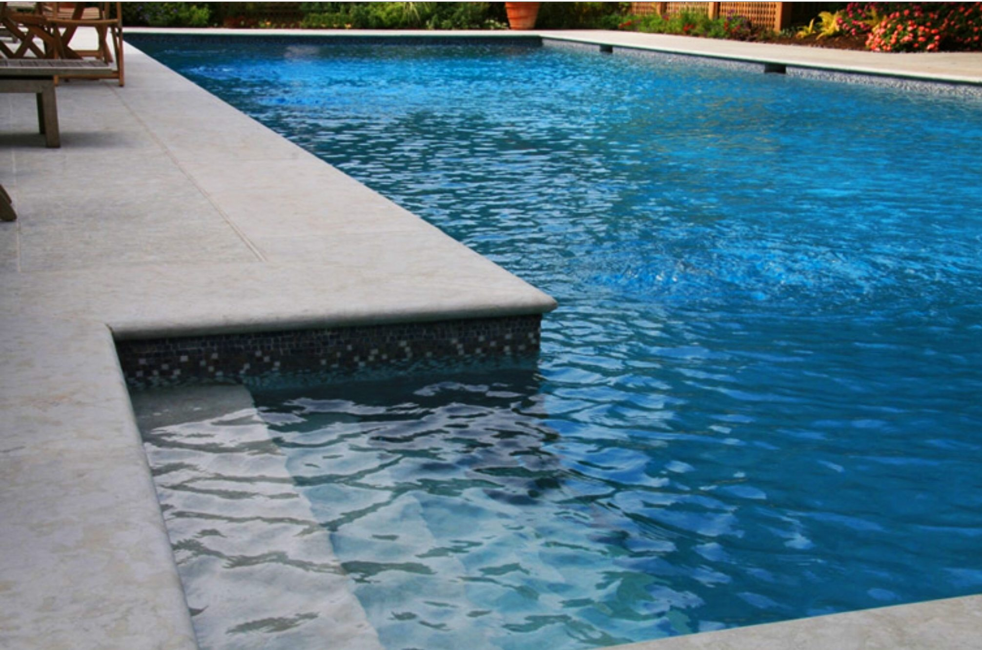 Honed Surface Bullnose Edge Beige Travertine Swimming Pool: Travertine Sydney Supplying
